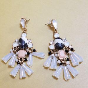 Jewelry - Gorgeous Dangle Earrings